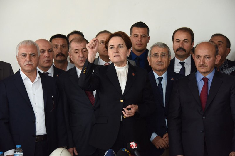 FOTO:SÖZCÜ/Yavuz ALATAN - Akşener'e A Taktımı da eşlik etti.