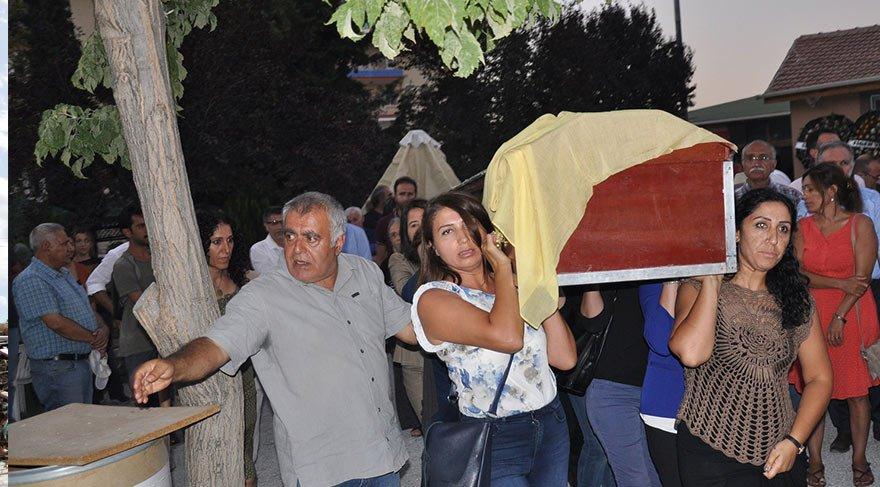 HDP'li Aysel Tuğluk'un annesinin cenazesinde gerginlik! Cenaze defnedilemedi