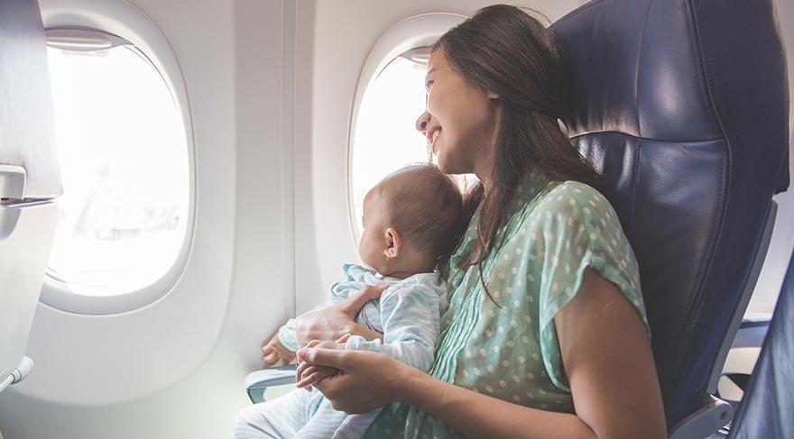 Çocuklarla uzun uçuşlar yapacak ebeveynlere öneriler