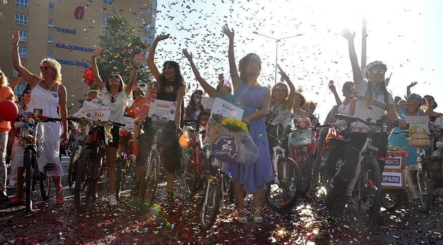5. 'Süslü Kadınlar Bisiklet Turu'