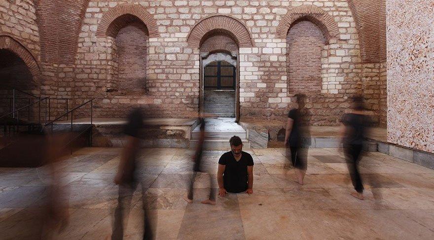 'İyi bir komşu' temasıyla düzenlenen 15. İstanbul Bienali kapılarını açtı