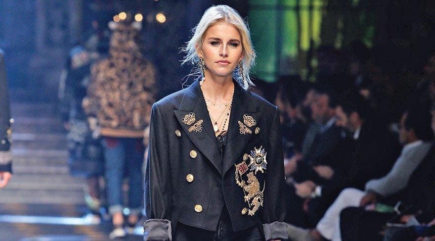 dolce-and-gabbana-fall-winter-2017-18-men-fashion-show-runway-49