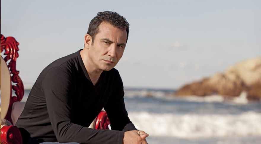 Şarkıcı Ferhat Göçer İzmirlileri coşturdu!
