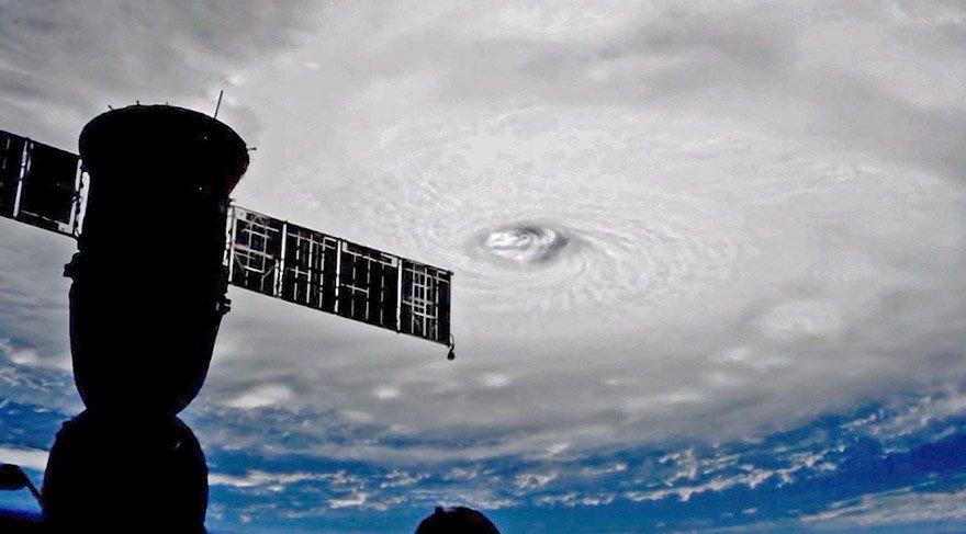 Kasırganın dehşeti uzaydan görüntülendi