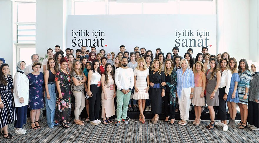 12 ilden 37 öğrenciyi İstanbul'un kültür hayatıyla tanıştırdılar