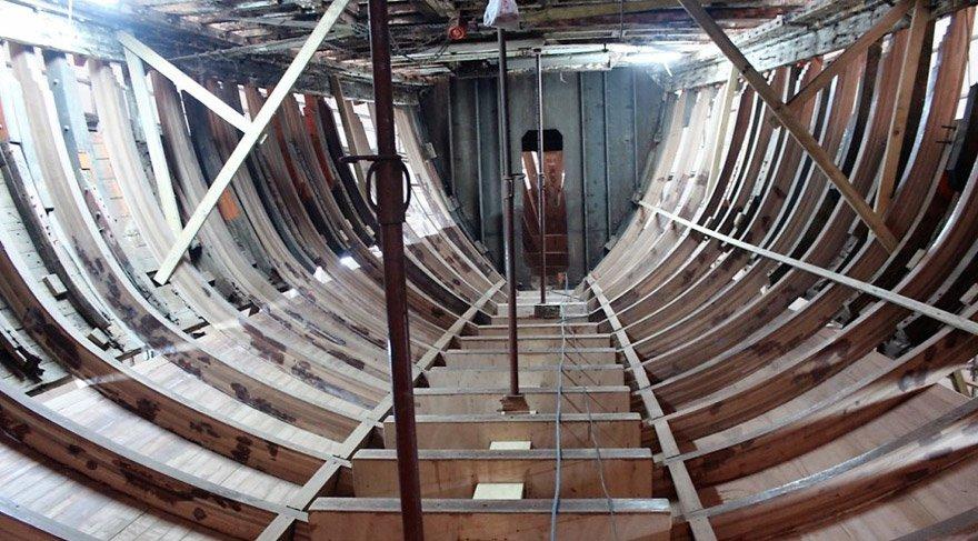 Kaptan Cousteau'nun gemisi Calipso Yalova'da yandı!