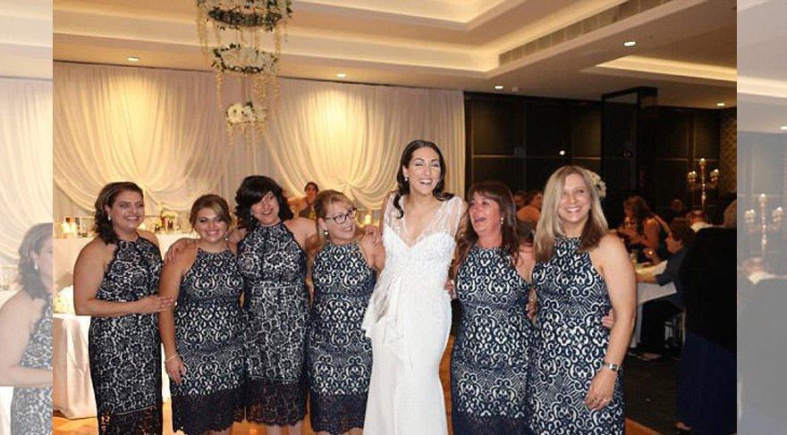 Düğünde pişti olan konuklar güldürdü