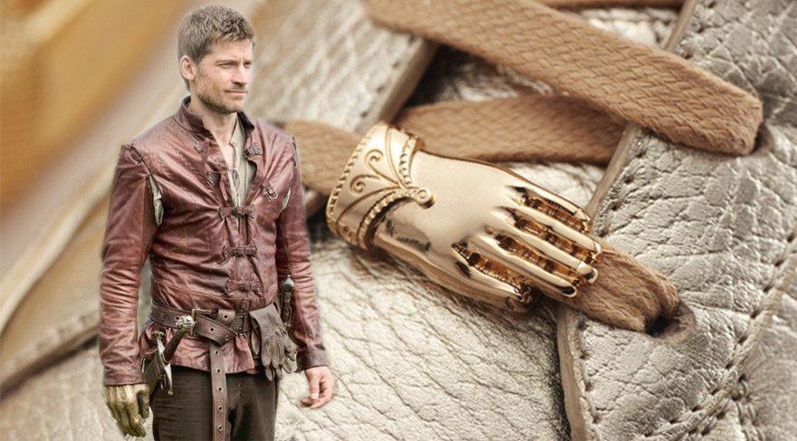 Game Of Thrones karakterlerinden Jamie Lannister'ın eli ayakkabı oldu