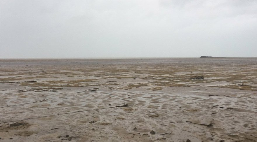 Fırtınadan sonra okyanus çekildi