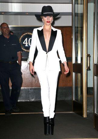 Lady Gaga çağın hastalığına yakalandı