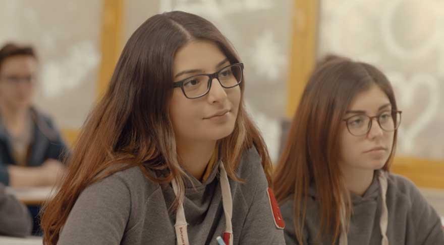 16 yaşındaki Türk yazılımcıdan işitme engellileri sevindirecek proje!