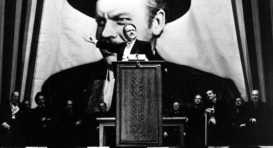 Orson Welles'in hem yönetip hem oynadığı yapım Citizen Kane sinema tarihinin efsaneleri arasında yer alıyor.