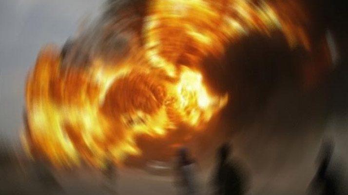 Patlamaya sebep olduğu öne sürülen beyaz kovanın içinde kimyasal olduğu tahmin ediliyor.