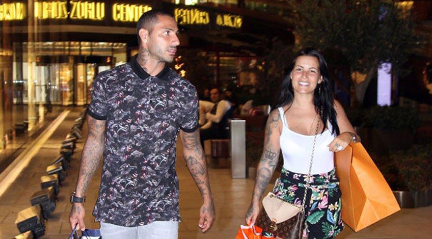 Ricardo Quaresma, eşi Daphney ile beraber romantik akşam yemeğinde