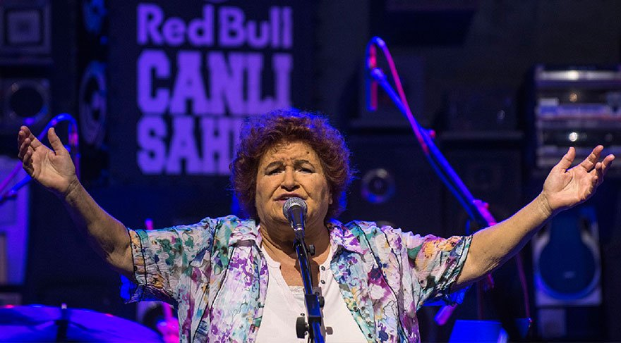 Selda Bağcan, canlı yayında Gezi'de yaşamını yitirenleri andı!