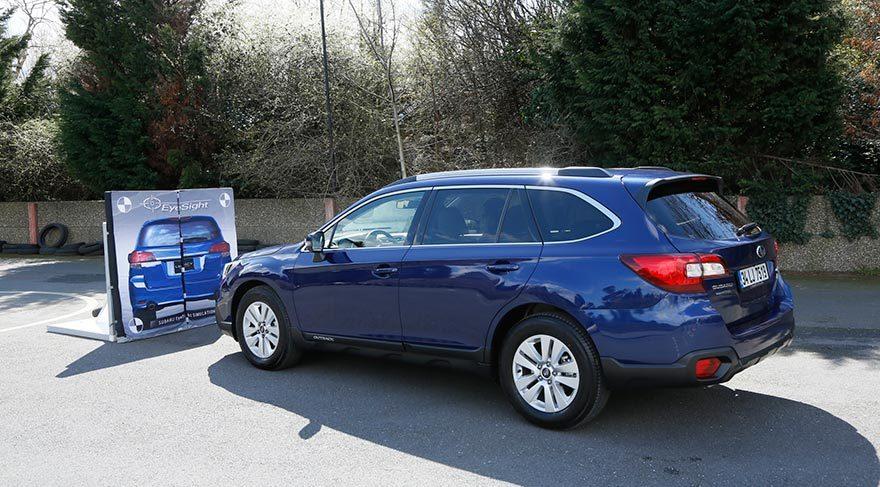 Subaru yeni modellerini sergiledi