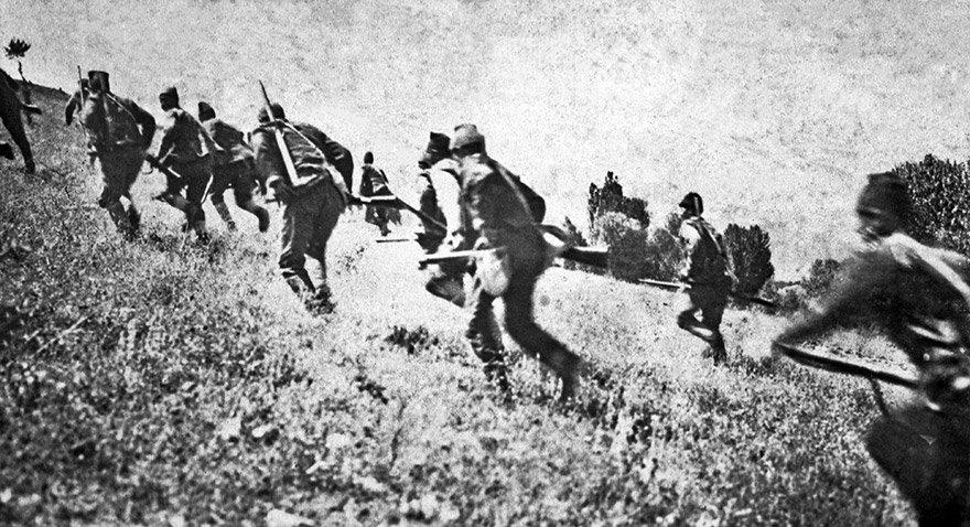 Büyük Taaruz'daki Türk askeri. Fotoğraf: Depo Photos