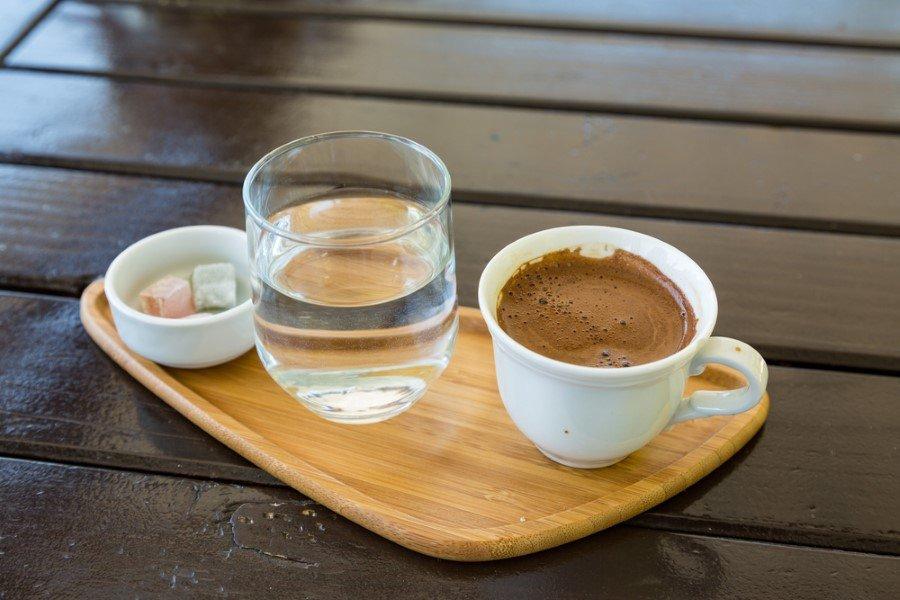 turk-kahvesi-ve-su-5-custom