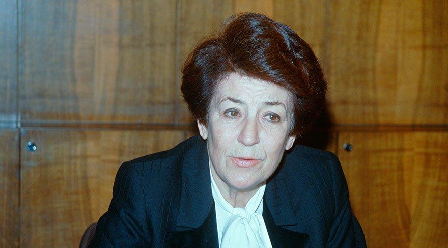 İlk kadın Sağlık Bakanımız Prof. Dr. Türkan Akyol hayatını kaybetti