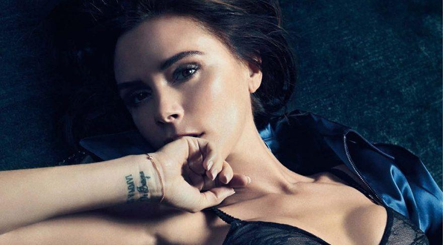 Kardashian, Victoria'nın meşhur bacak açma pozunu taklit etti