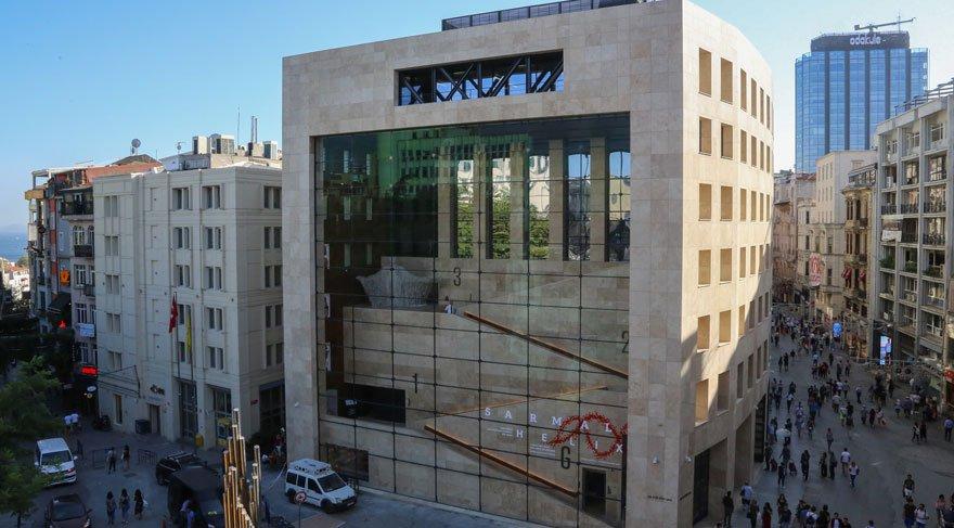 Yapı Kredi Kültür Sanat'ın yenilenen binası İstiklal'e umut oldu!
