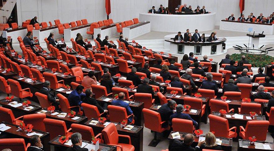Başbakan soruşturulsun dedi ama AKP o önergeyi de reddetti