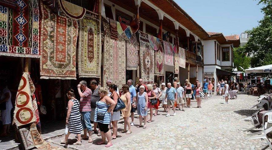 Turizm gelirleri yüzde 37 arttı