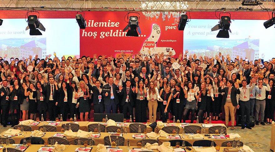 PwC Türkiye'nin 243 yeni çalışanı işbaşı yaptı
