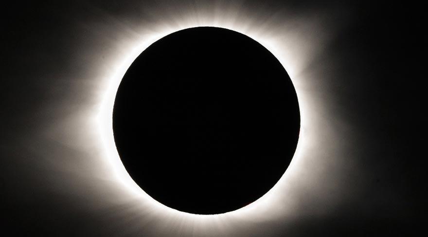 İlk güneş tutulması ne zaman gerçekleşti?