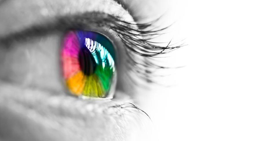 Göz rengi karakteri ele veriyor