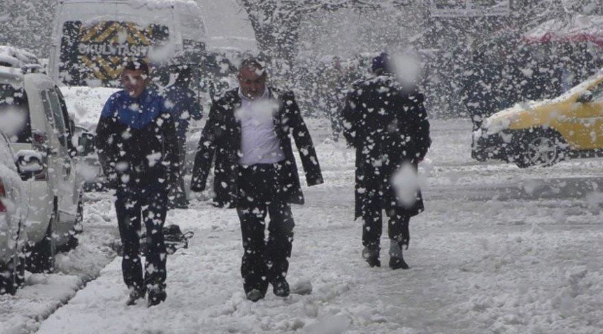 Fotoğraf arşiv ama Ankara'ya mevsimin ilk karı yağdı | Ankara hava durumu