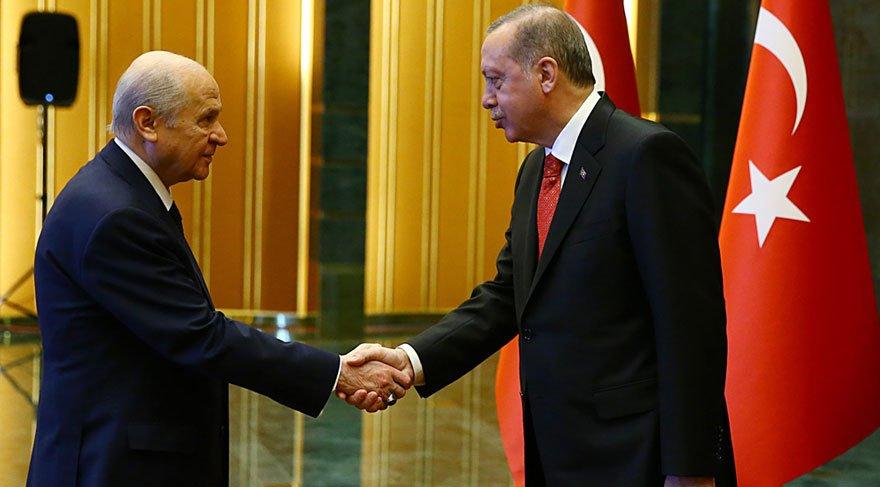 Cumhurbaşkanı Erdoğan, Ak Saray'da tebrikleri kabul etti