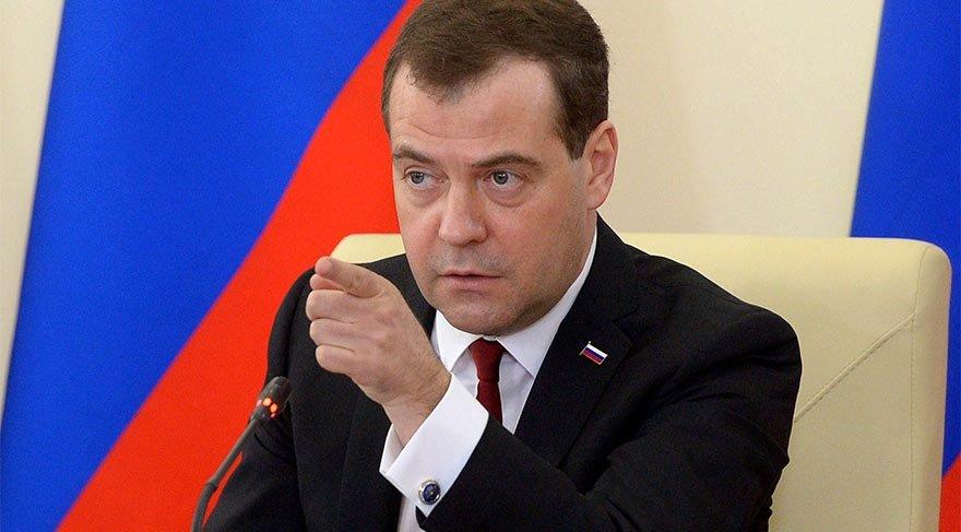 Rusya'nın başbakanına güveni tam değil