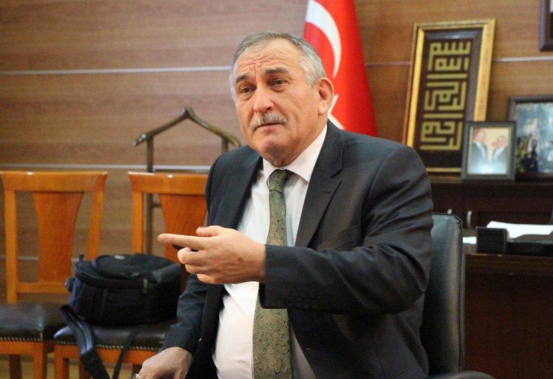 FOTO:DHA - Bolu Belediye Başkanı Alaaddin Yılmaz gazetecilere açıklamalarda bulundu.