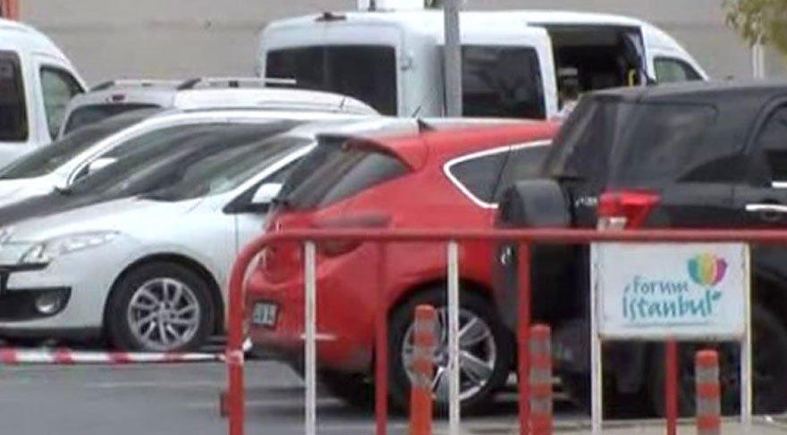 AVM'de şüpheli araç alarmı! Bomba düzeneği bulundu