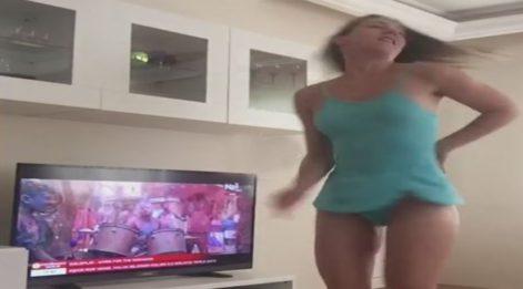 Kısmetse Olur Evi yarışmacılarından Daniela'dan evde seksi dans!