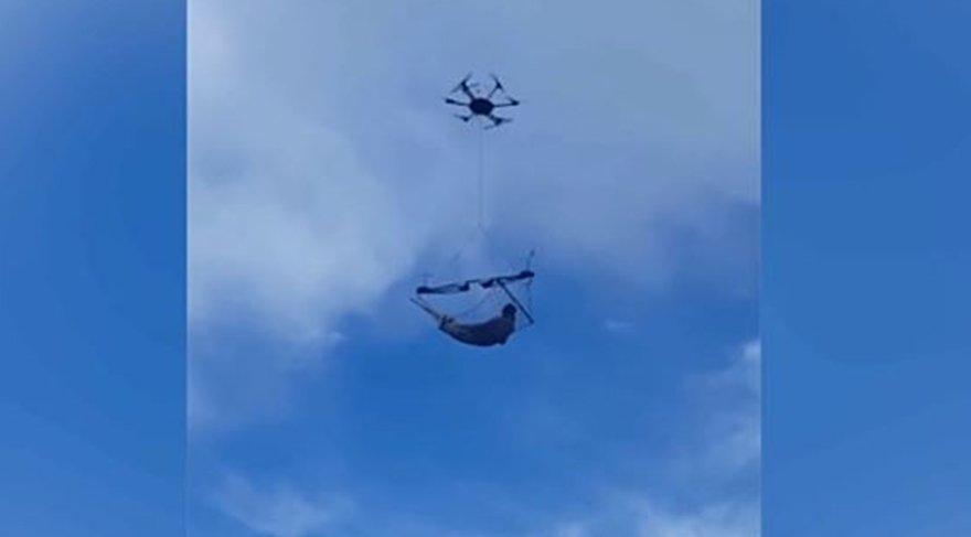 Drone'la havada hamak keyfi yaptı!