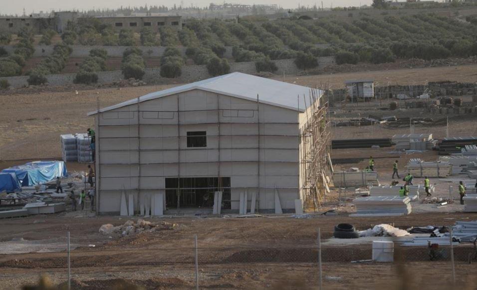 Geçtiğimiz ay Türkiye'nin başlattığı hastane inşaatını Reuters görüntüledi.