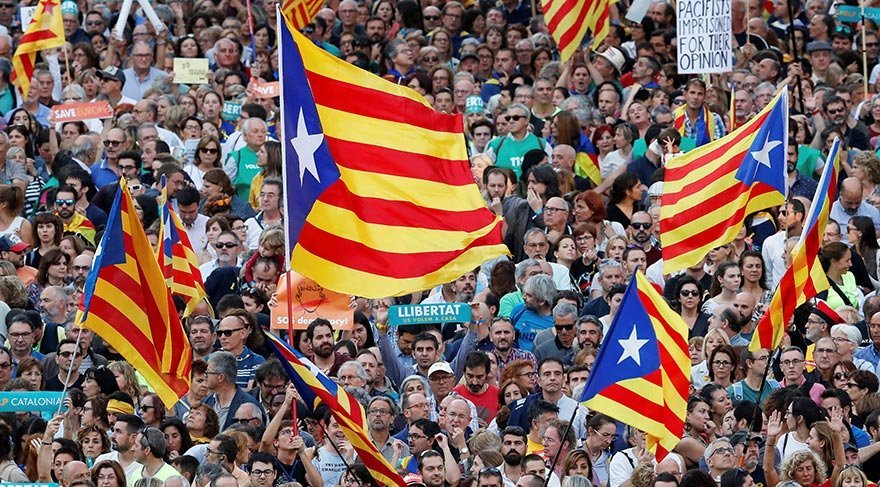 Katalonya hükümeti İspanya'ya resti çekti!