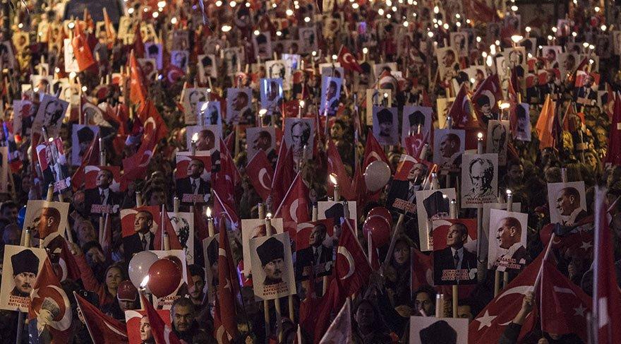 İstanbul'da Cumhuriyet yürüyüşleri yapıldı