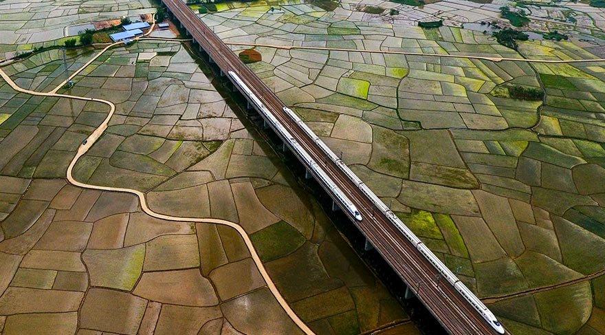 Çin'de yüksek hızlı tren hattı 22 bin km'yi geçti