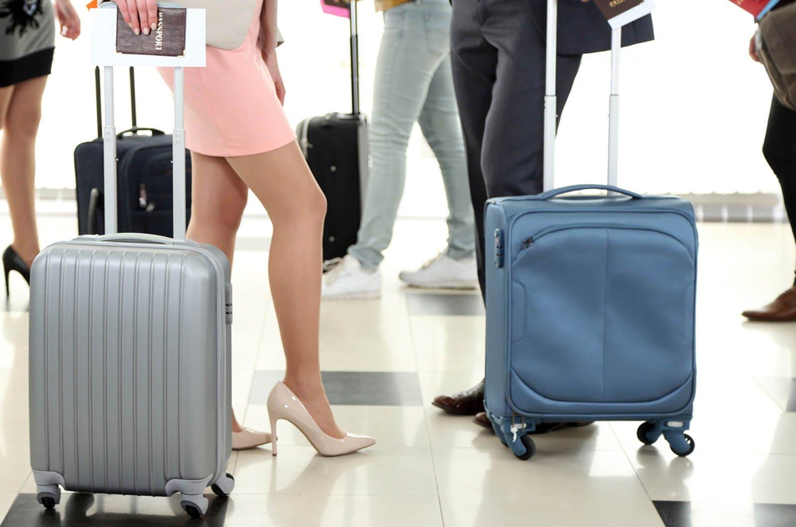 Şoke eden seks araştırması: Havaalanında bir ceketin altında...
