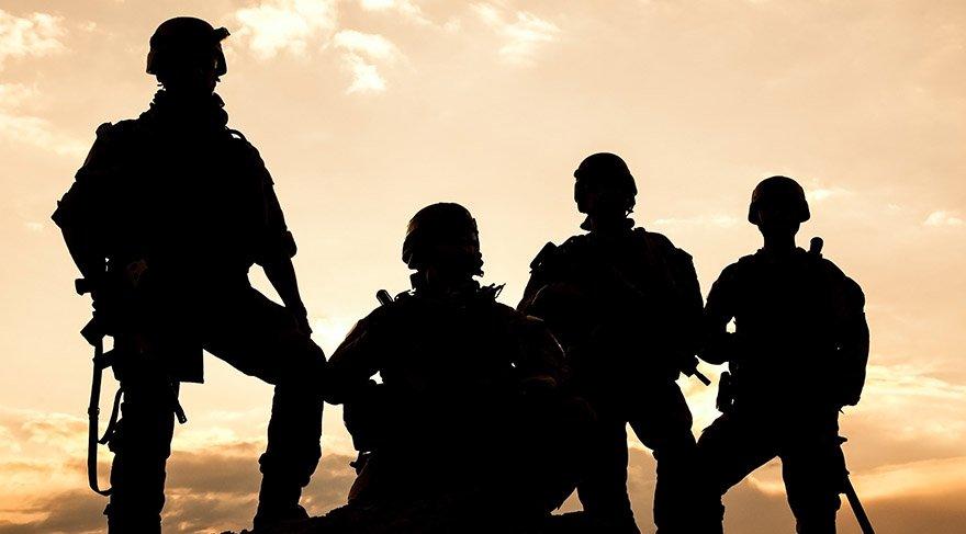 IANSA (Silaha Karşı Küresel Hareket) platformunun bireysel silahlanmaya dair verileri dünya üzerindeki dolaşım hâlinde bulunan silahların yüzde 74'ü sivillere ait olduğu ortaya koyuyor.