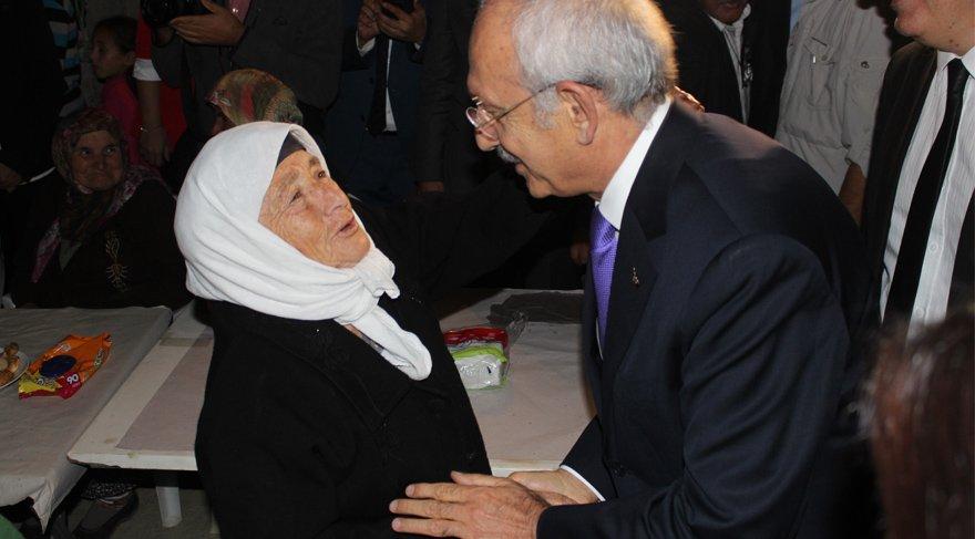Kılıçdaroğlu'ndan şehidin ailesine ziyaret