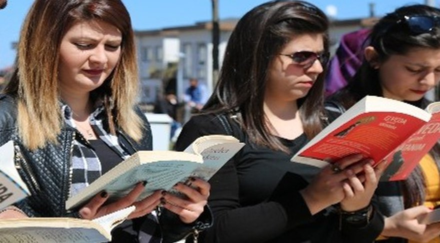 Bırakın sınav stresini en iyisi kitap okuyun