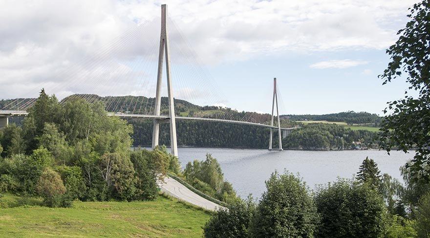 Norveç'in Skarnsundet Köprüsü