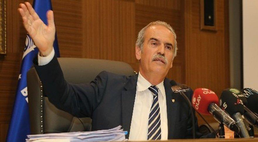 FOTO:İHA - Recep Altepe 2009 yılından beri Bursa Büyükşehir Belediye Başkanlığı görevini yürütüyor.