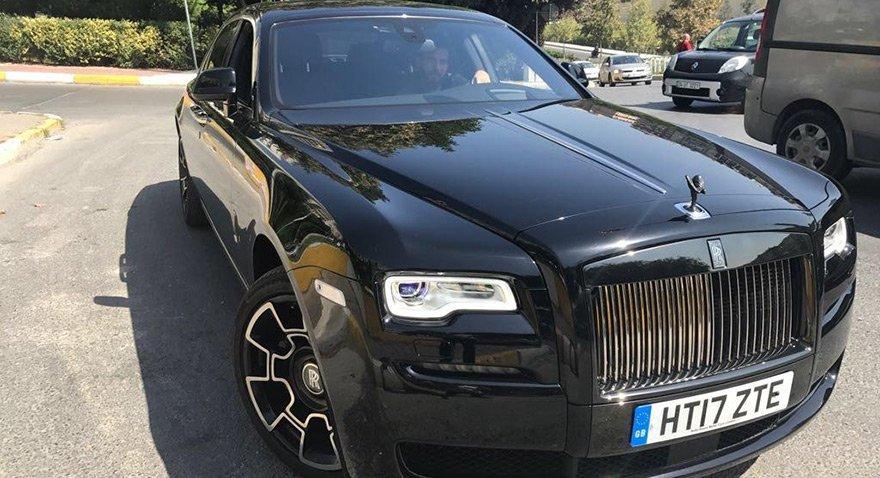 Karşınızda 4 milyonluk Rolls Royce Ghost Black Badge!