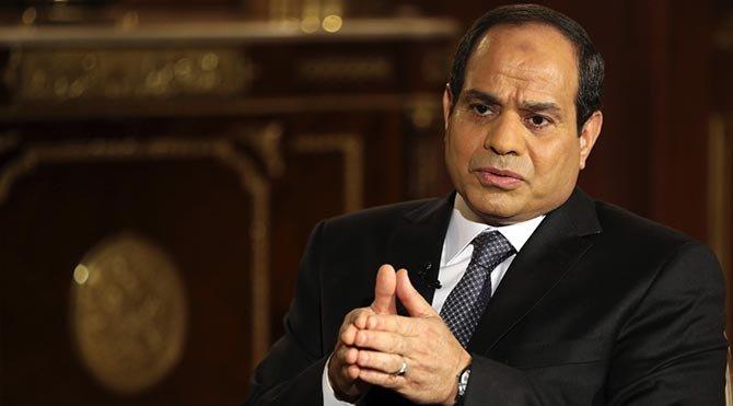 Mısır'da olağanüstü hal 3 ay uzatıldı