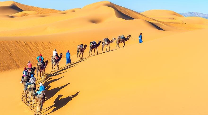 Kadınların değil erkeklerin peçe taktığı Müslümankabile Tuaregler